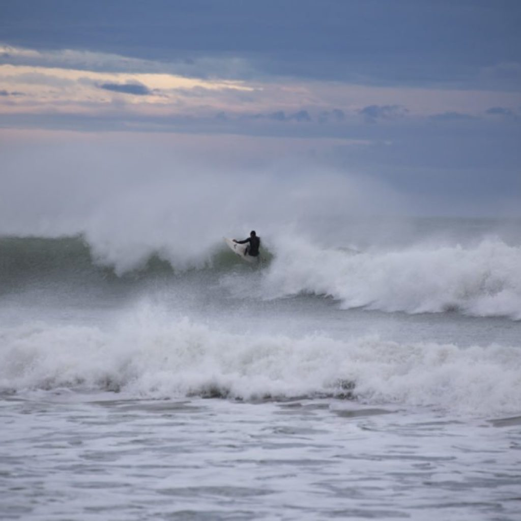 surfing, colac bay, southland, invercargill, things to do in southland, adventure southland ltd
